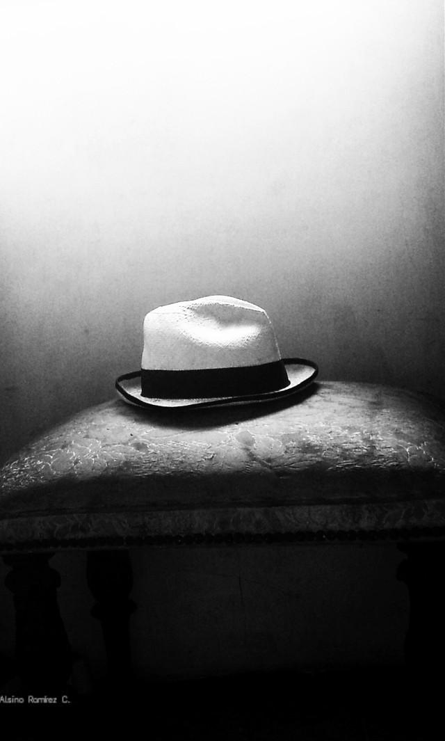 Sombrero... #blackandwhite #photography #oldphoto #guayaquil #ecuador