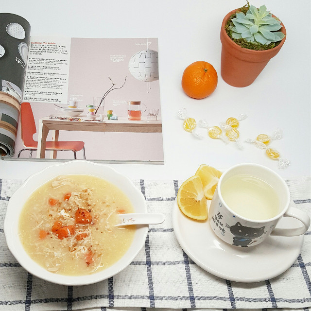 Feeling a little better this morning... 😴 Made ginger tea + hot bowl of chicken congee and catching up on new Ikea products. What are your go-to comfort foods when you are not feeling well?