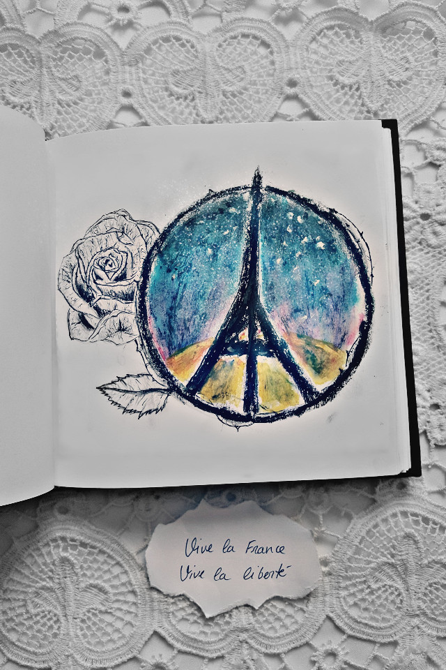 "For those who have fallen, brothers and sisters, fathers and mothers, sons and daughters ... for all ""vive la France, vive la liberte."" 🌹🍃 Por todos los que han caído, hermanos y hermanas, padres y madres, hijos e hijas... por todos ellos ""vive la France, vive la liberté.""  #pencilart  #people  #photography #emotions"