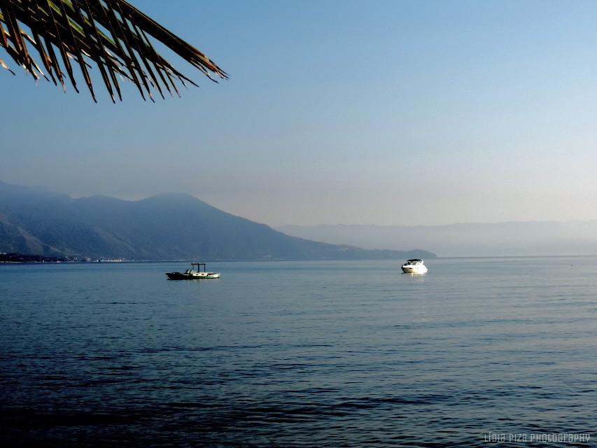Good afternoon guys! 💚💚💚💕 #sea #beach#photography