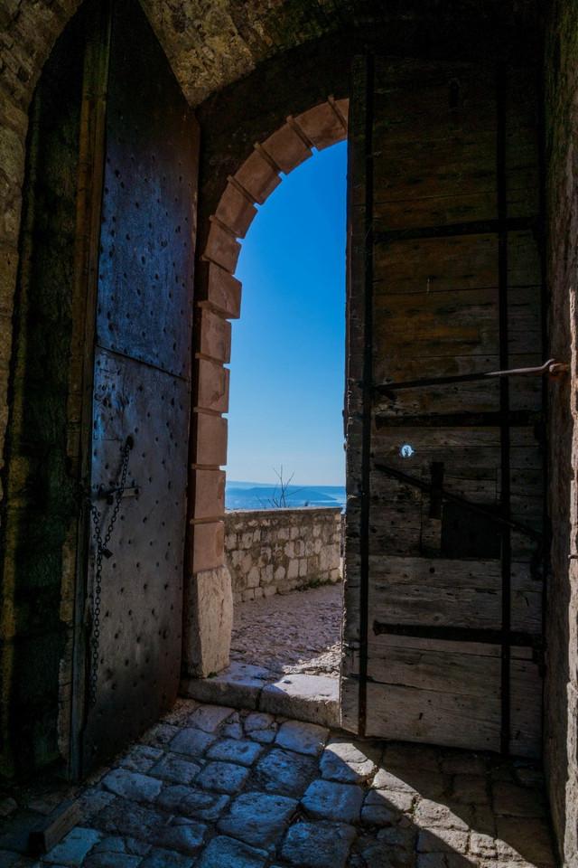 #door  #fortress  #sky  #photography