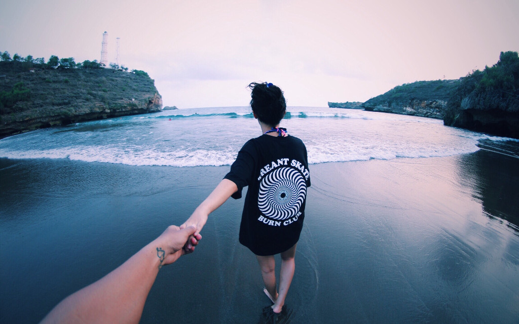 Loving you.  #jogja #beach #beachforlife #masmellowphoto