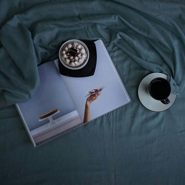 #photography #mycoffee_diary #flatlay #onthetable #coffee #book #softtone #morning  #eclipse