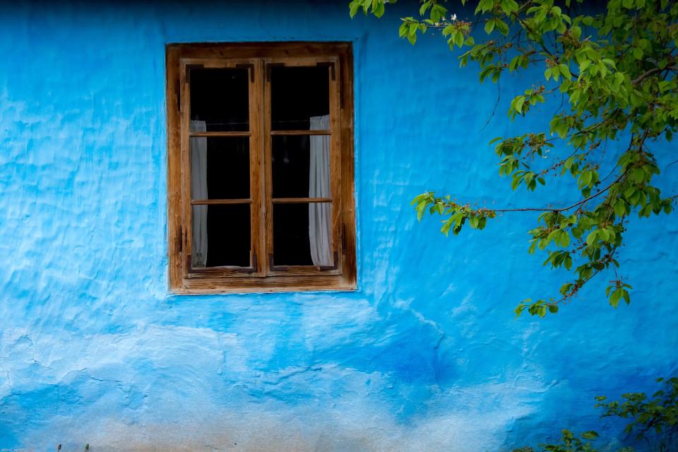 Albastru de Voroneț #interesting #minimal #window #colorcombo #composition #românia #old